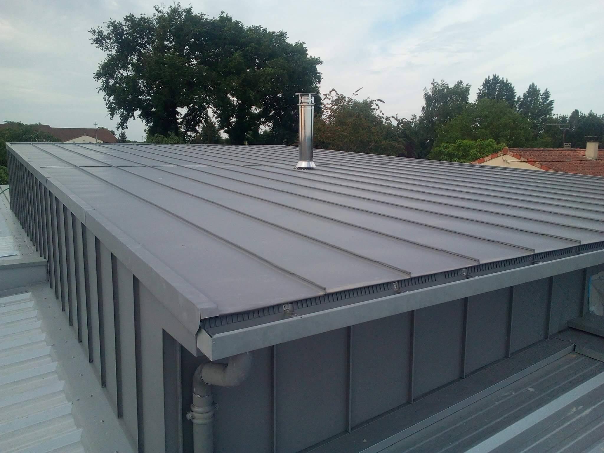 habillage de toit en zinc et sous-face à Niort - poseur de gouttières